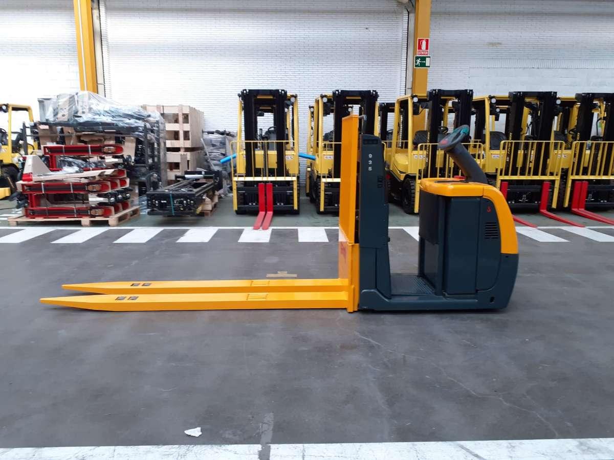 2014 GENIE GS-1932